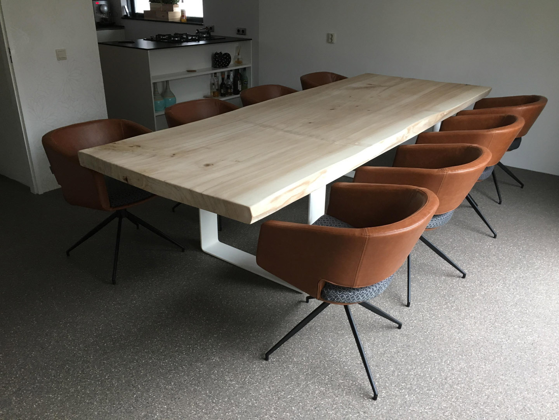 Toffe tafels massieve boomstamtafels